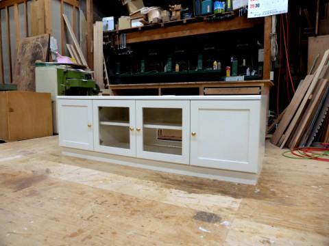 白塗りつぶし仕上げオーダーテレビ台