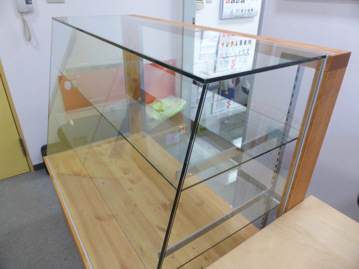パン屋さんのガラスショーケース(4面ガラス仕様)