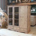ガラス扉と木製扉の本棚(斜め)