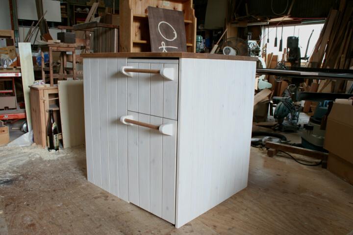 ワゴン収納式キッチンカウンター・ワゴン収納時