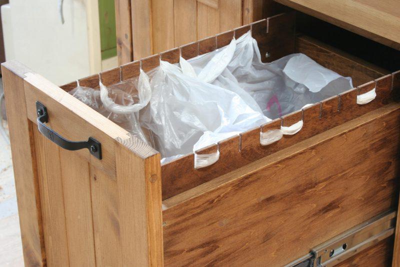 袋引っ掛け式の分別収納