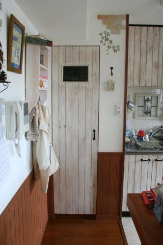 キッチン扉の交換(収納庫扉)